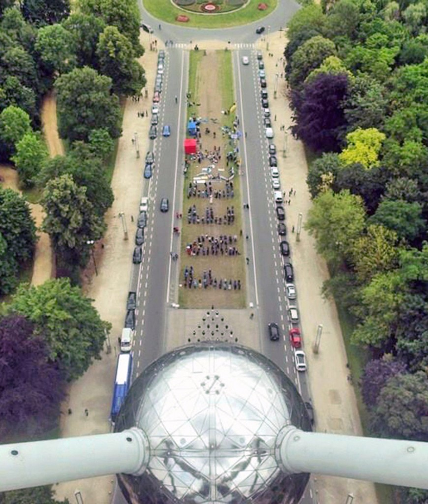 "Image taken from the top of the Atomium; the formation of the word ""FREE"" symbolising the power of individuals working together as a Team. Photo: Mariana Bassani"