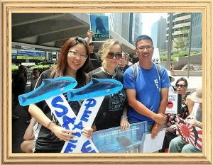 Jacqueline, Suzette & Dr. Samuel Hung, Chairman of Hong Kong Dolphin Conservation Society